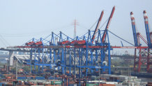 Motorized festoon system for High Speed Container Cranes (ship to shore)