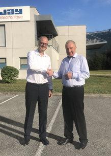 François Bernès, CEO Conductix-Wampfler and Olivier Normand, CEO Jay Electronique seal the successful takeover of Jay Electronique by Conductix-Wampfler