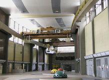 2 Standard-Hallenkrane in einem Wasserkraftwerk