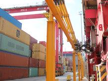 Die Elektrifizierung der Container Blocks mit der Conductix-Wampfler E-RTG Drive-In P Lösung