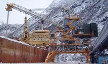 Drehturmstromzuführung mit Leitungswagen an einem Schiffsentlader